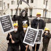 2013 AGM protest 1