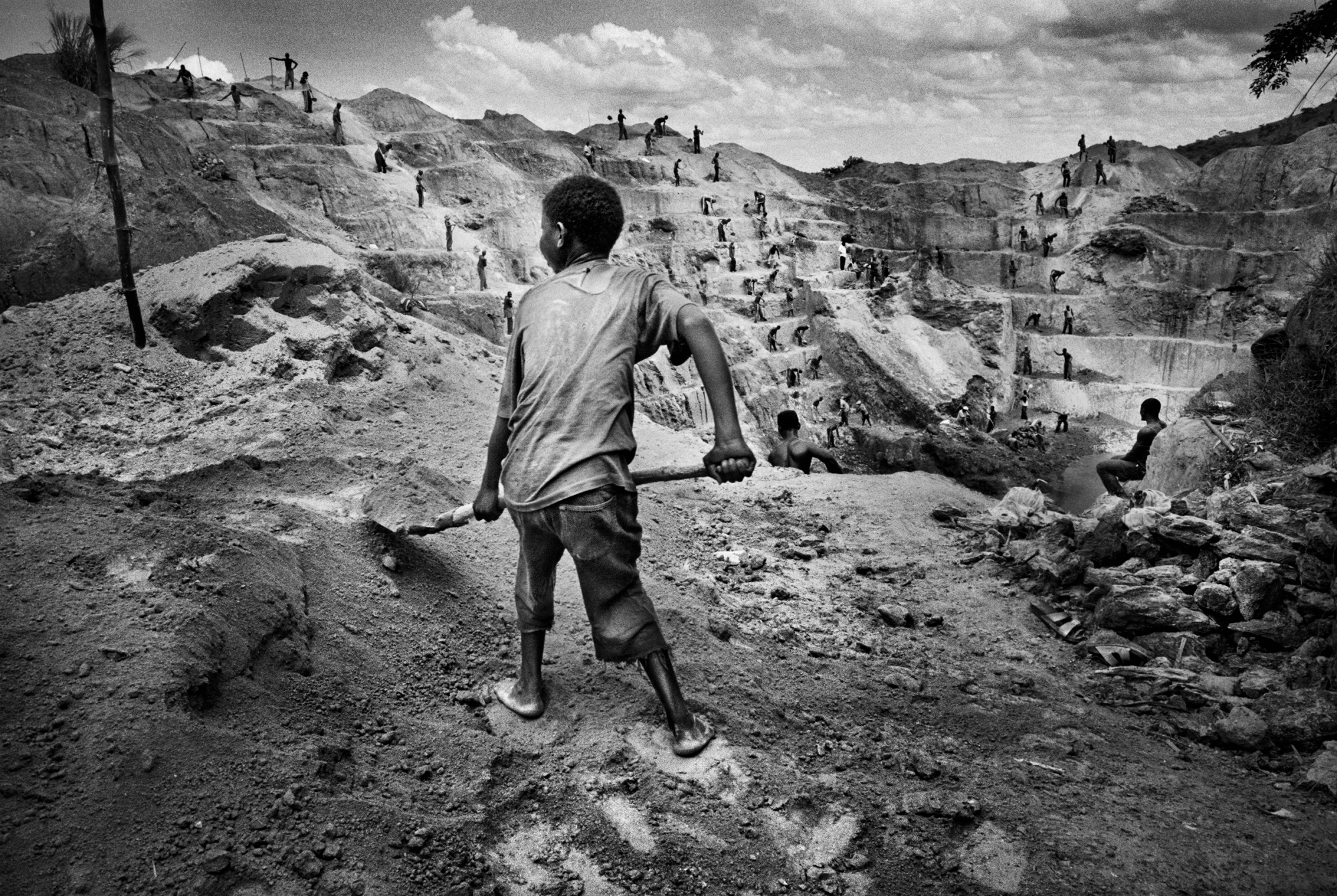European Union reaches outline deal to stem flow of conflict minerals